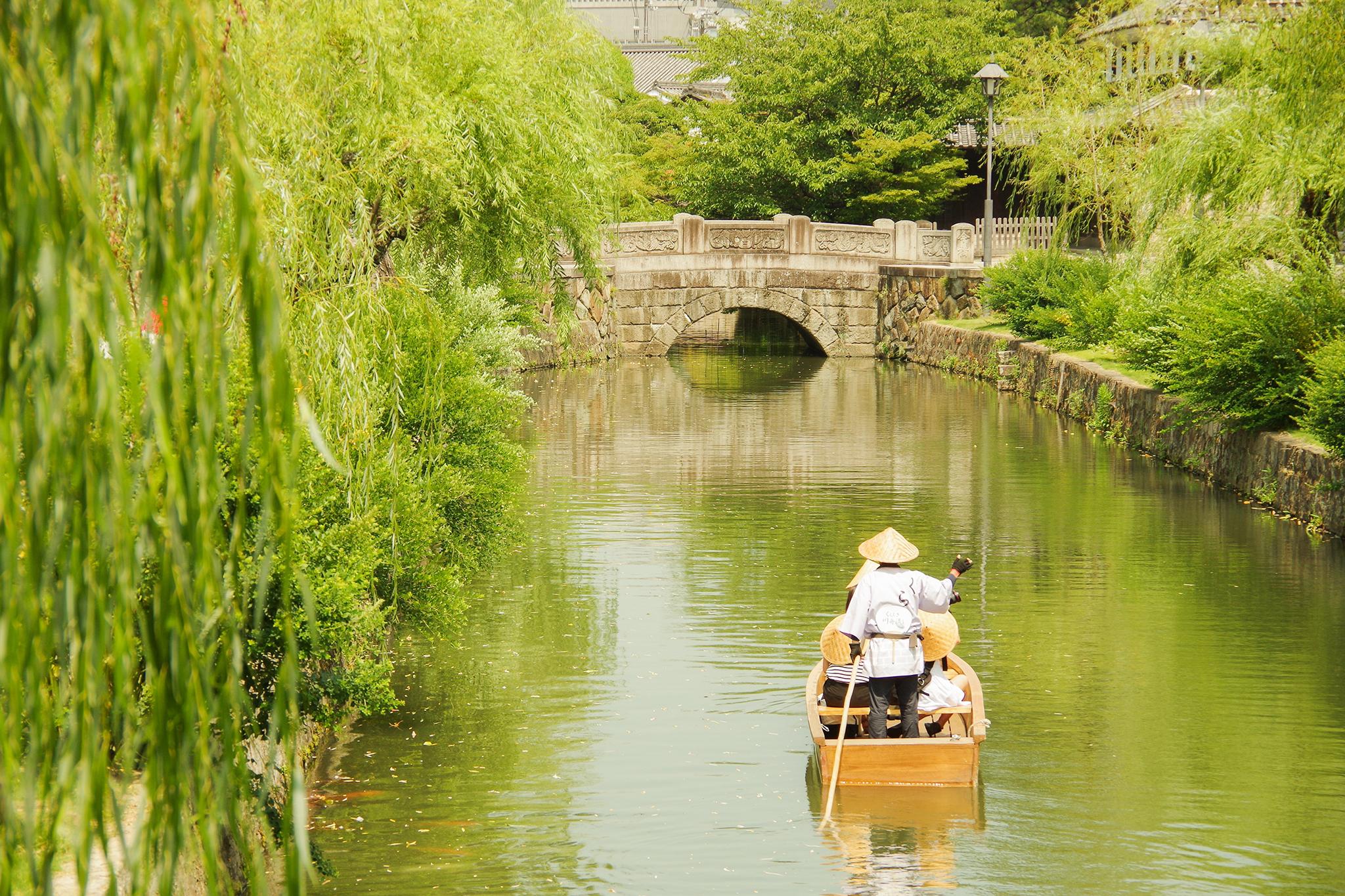 倉敷美観地区、倉敷川の川舟流し